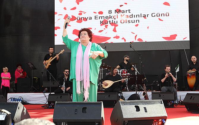 """Antalya'lı kadınlardan 8 martta """"şiddete hayır"""" etkinliği"""