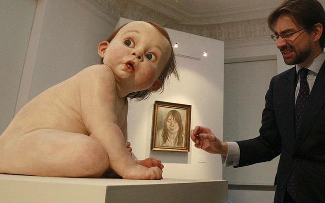 Ron Mueck'in sıradışı heykelleri