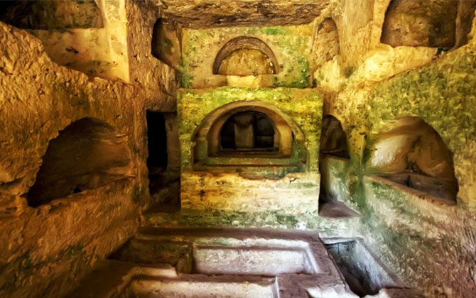 Titus Tünelinde tarihi gezinti