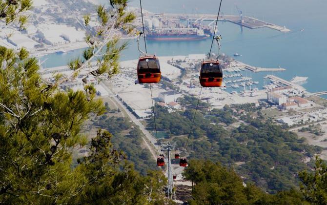 Antalya'da hafta sonu tatilinde Tünektepe Teleferiğini keşfetmeye ne dersiniz?