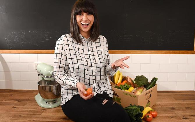 Laleh Mohmedi'nin küçük tatlı sunumlarıyla sizde çocuğunuza sebze meyveyi sevdirebilirsiniz!