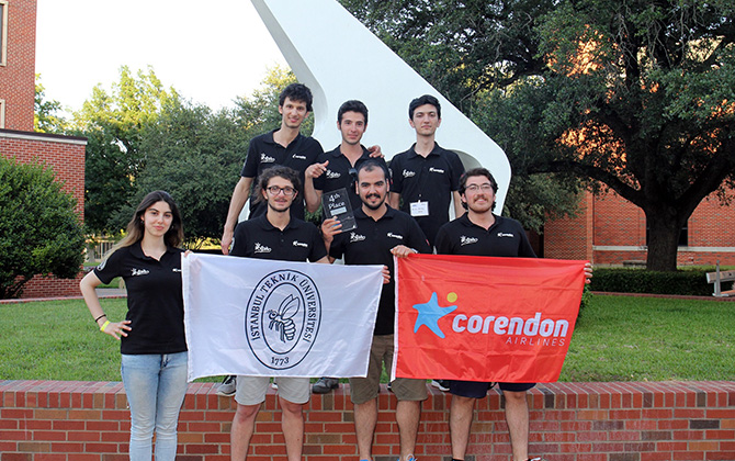 İTÜ APİS Ar-Ge Uydu Takımı Amerika'dan dünya birinciliği ile döndü!