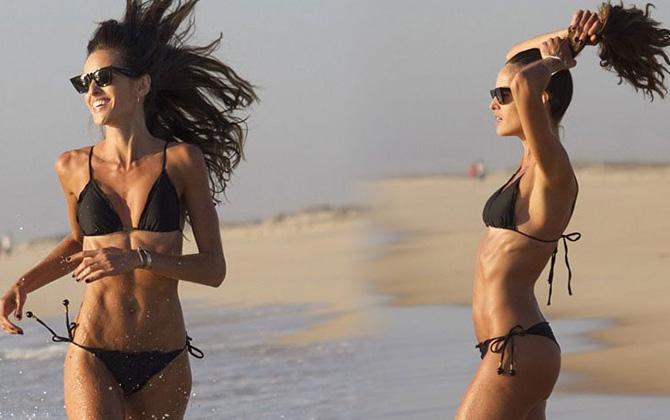 Brezilyalı model Izabel Goulart, Comporta sahilinde tatilde!