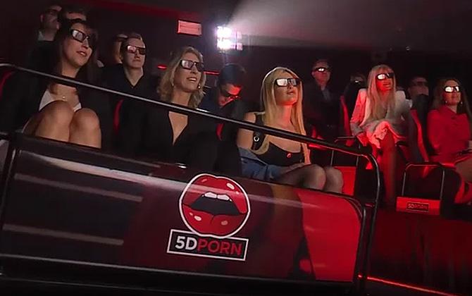 Amsterdam'da yeni açılan 5D Porno sineması yoğun ilgi gördü!